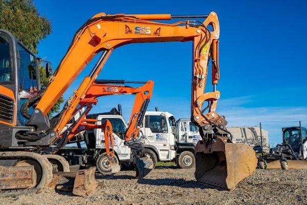 sns_contracting_equipment_pics_yard_93
